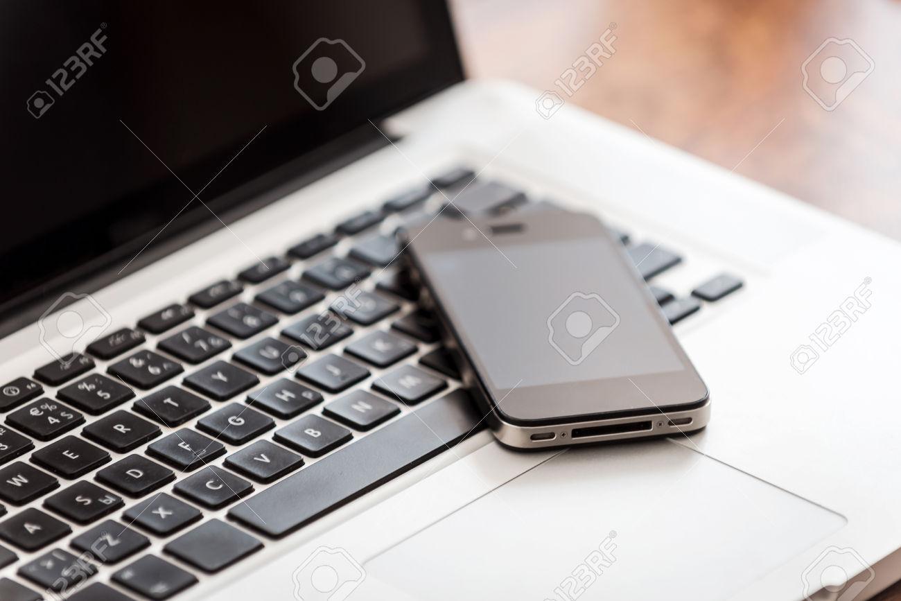 reverse phone lookup service